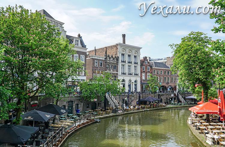 На фото: двухэтажные каналы Утрехта.