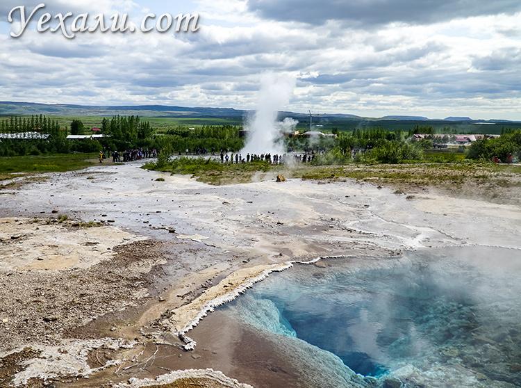 Долина гейзеров в Исландии.