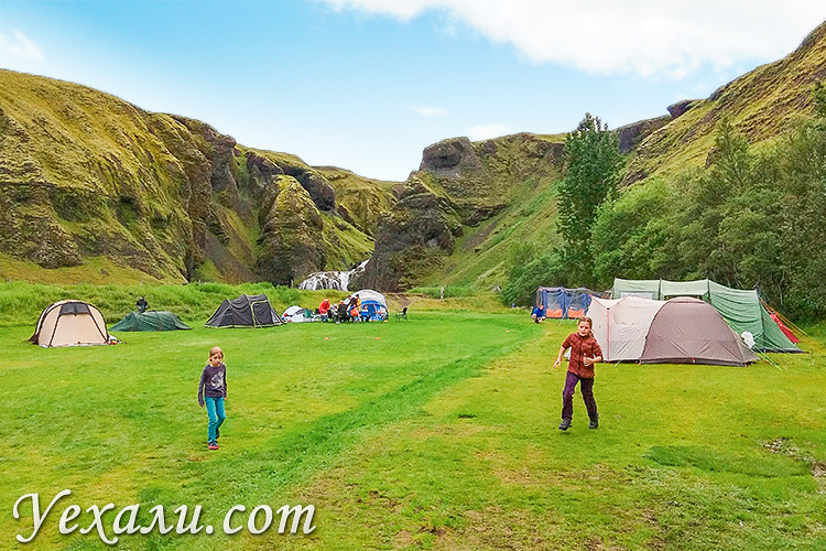 Карта кемпингов Исландии от Uehali.com.