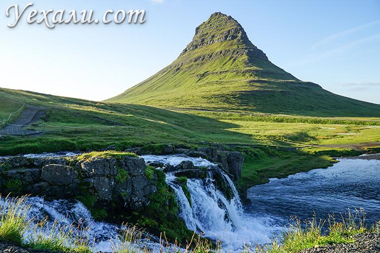 Достопримечательности Исландии, фото и названия. Гора Киркьюфетль и водопад Киркьюфеллсфосс.