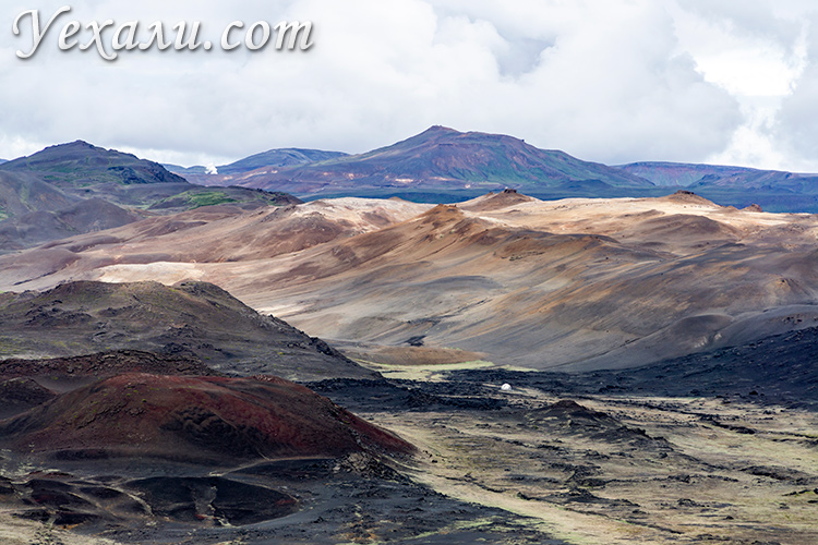 Геотермальная область Хверир, Исландия. Фото с вулкана Хверфьядль.
