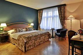Отели на Вацлавской площади в Праге. Elysee Hotel.
