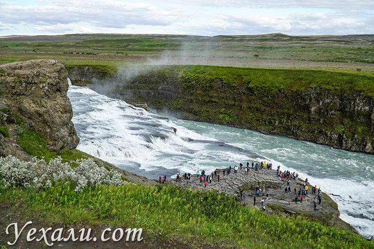 Золотой водопад Гюдльфосс в Исландии.