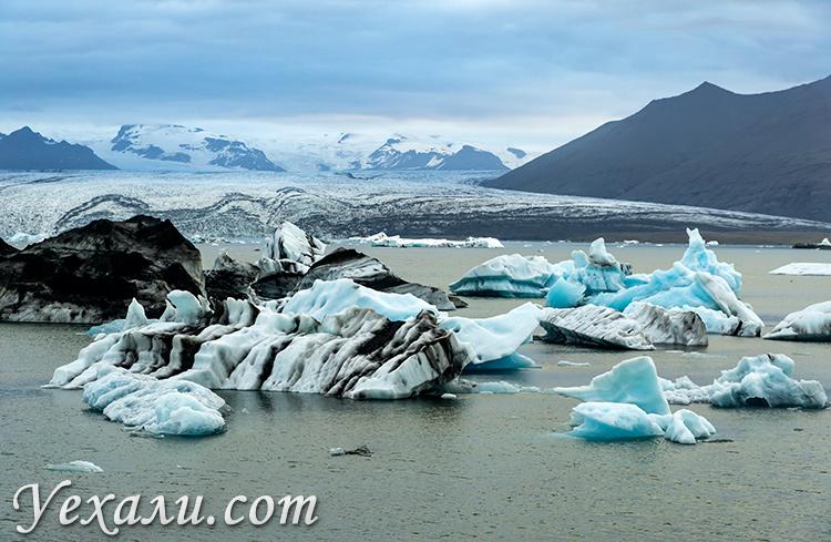 Ледяная лагуна Йекюльсаурлоун в Исландии.