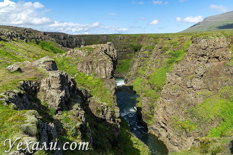 На фото: Исландия, каньон Колуглйуфур (Kolugljúfur Canyon).