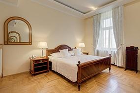 Отели Праги 2, район Винограды. Louren hotel.