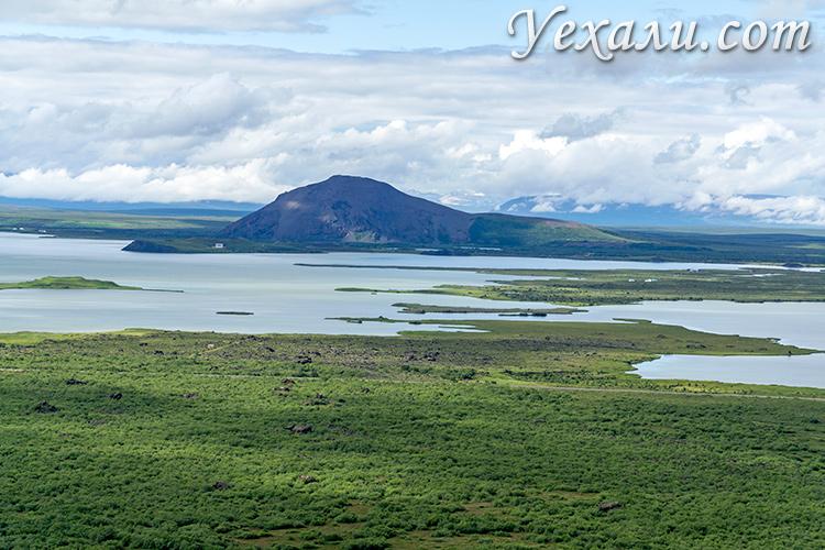 Озеро Миватн в Исландии. Фото с вершины кратера Хверфьядль.