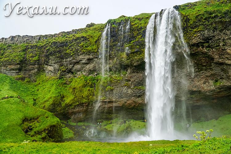 Фото водопада Сельяландсфосс в Исландии.