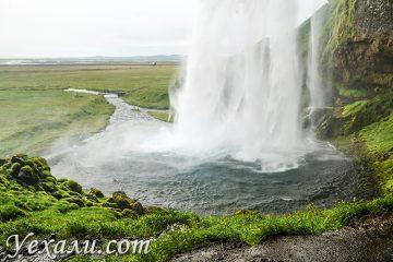 На фото: водопад Сельяландсфосс, Исландия.