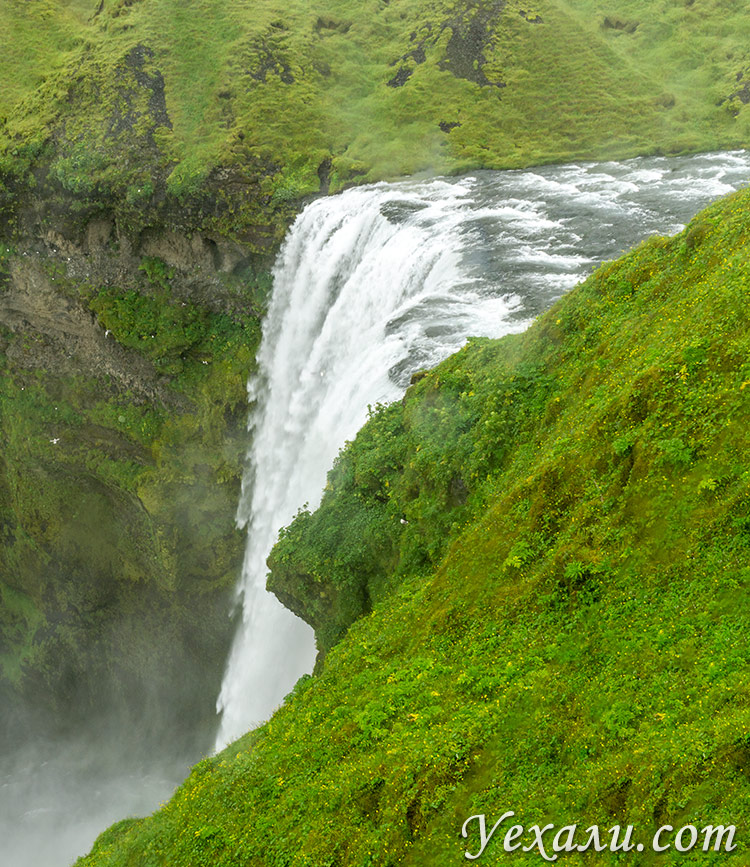 На фото: водопад Скогафосс, Исландия.