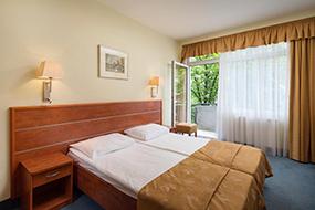 Отели Будапешта рядом с купальнями Сечени. Benczur Hotel.