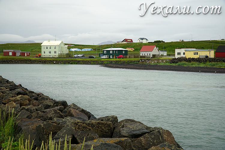 Город Блёндюоус в Исландии