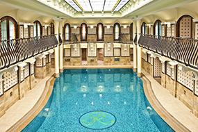 Отели в центре Будапешта с бассейном. Corinthia Budapest.
