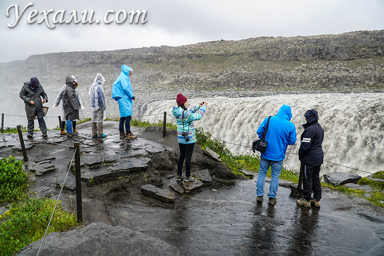 Водопад Деттифосс в Исландии.