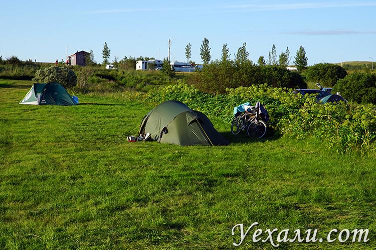 Палатка во Флудир кемпинге, Исландия