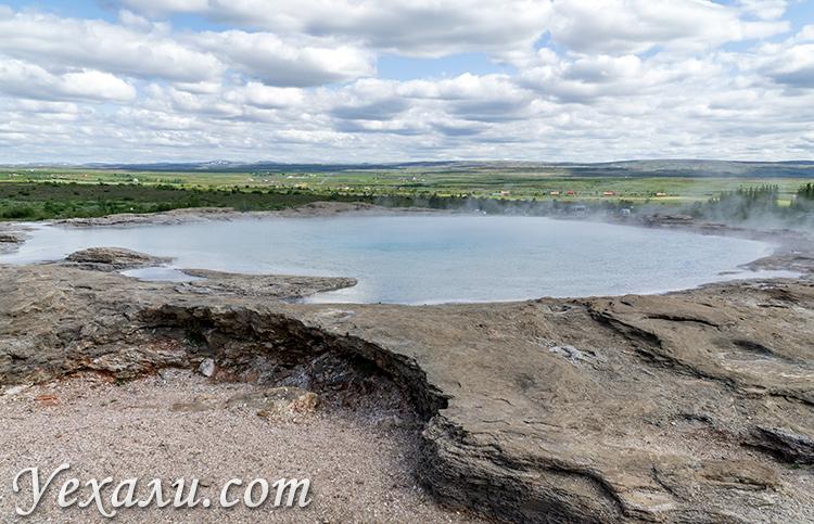 """Маршрут """"Золотое Кольцо Исландии"""". На фото: Гейсир."""