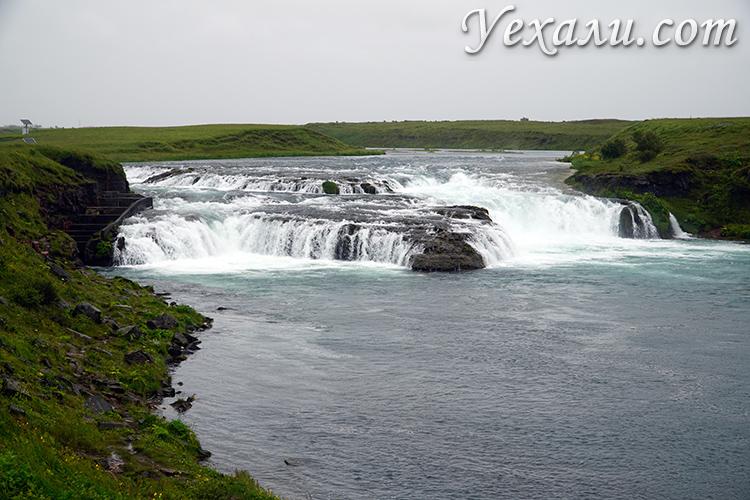 Фото маленького водопада в Исландии