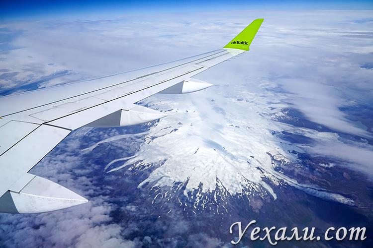 Исландия из иллюминатора самолета. Ледник Ватнайёкюдль.