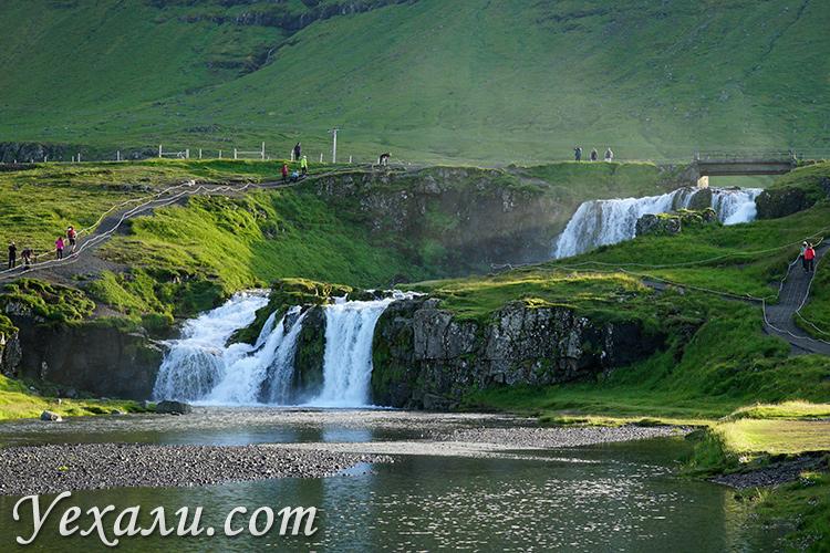 Фото водопада Киркьюфеллсфосс в Исландии