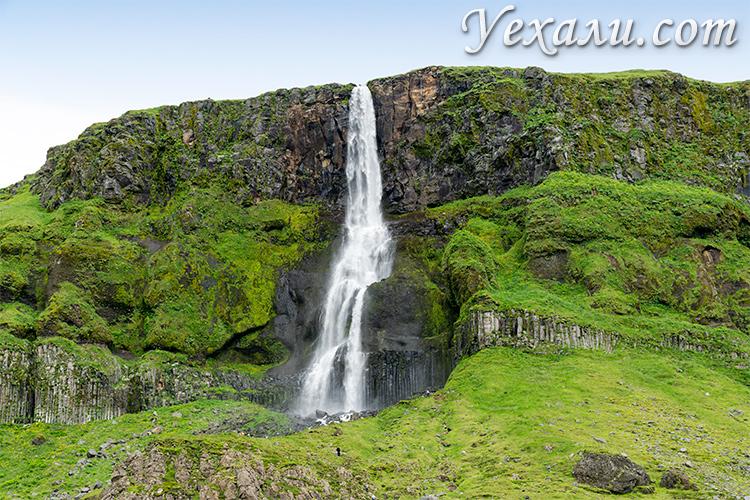 Фото водопада Бьярнарфосс (Bjarnarfoss) в Исландии.