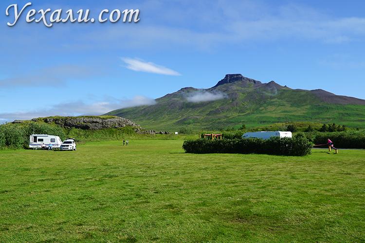 Красивые кемпинги на севере Исландии, фото сделано в июле