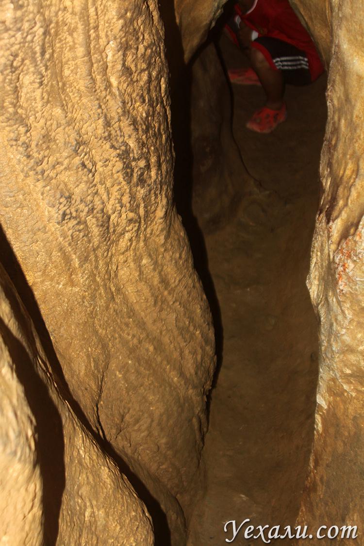 Безымянная пещера в Ванг Вьенге