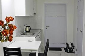 Снять квартиру в кондоминиуме, Пратамнак. Кондо Siam Tropical Garden.