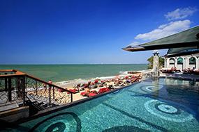 Отели на пляже Вонгамат в северной Паттайе. Pattaya Modus Beachfront.