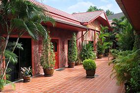 Отели на Пратамнаке, Паттайя, Таиланд. Magadan Residence.