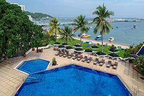 Отели в центре Паттайи рядом с пирсом. Siam Bayshore Resort.
