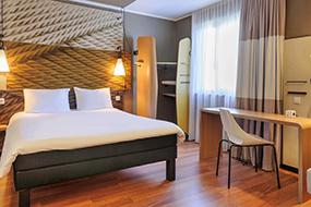 Недорогие отели Берлина в центре города. ibis Hotel Berlin Mitte.