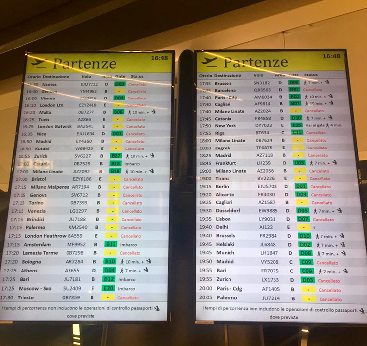 Фото аэропорта Рима Фьюмичино, рейсы отменяют из-за коронавируса