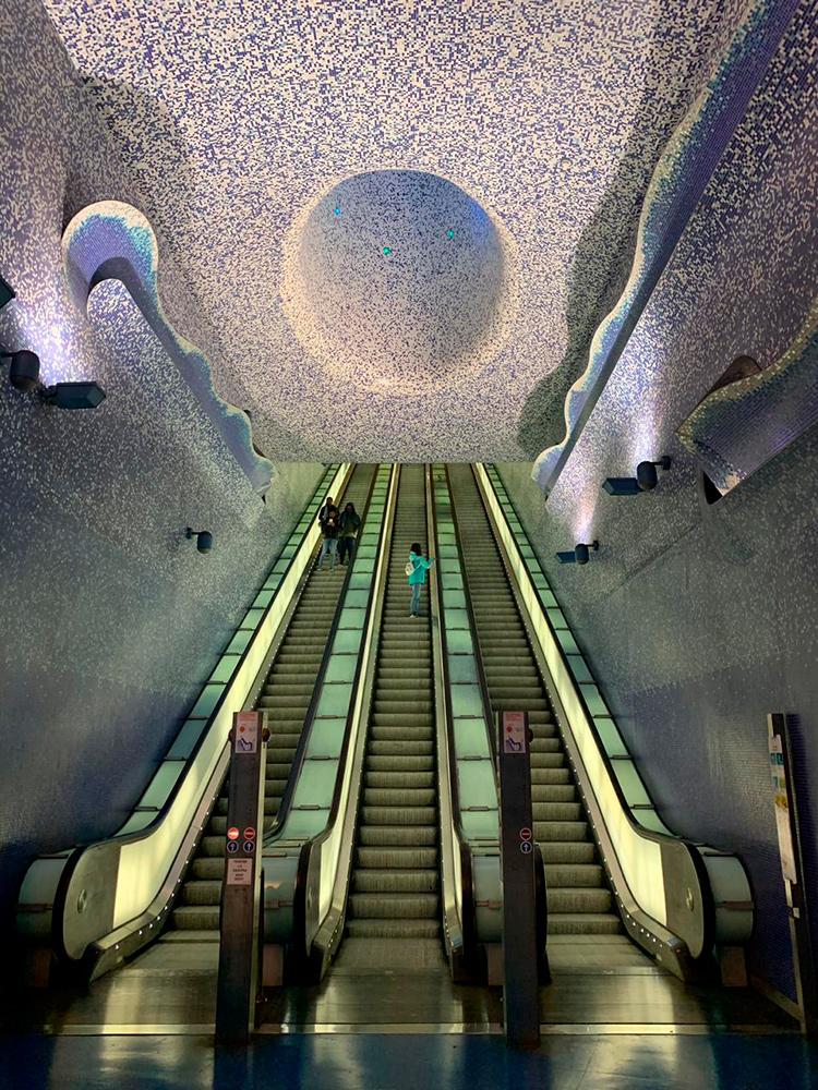Фото пустого метро в Неаполе. Эпидемия коронавируса в Италии
