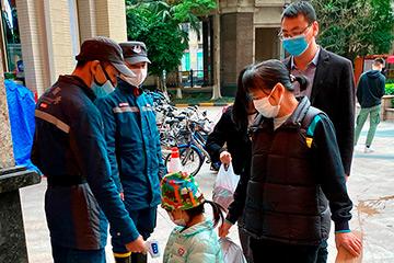 Измерения температуры на улицах Гуанчжоу