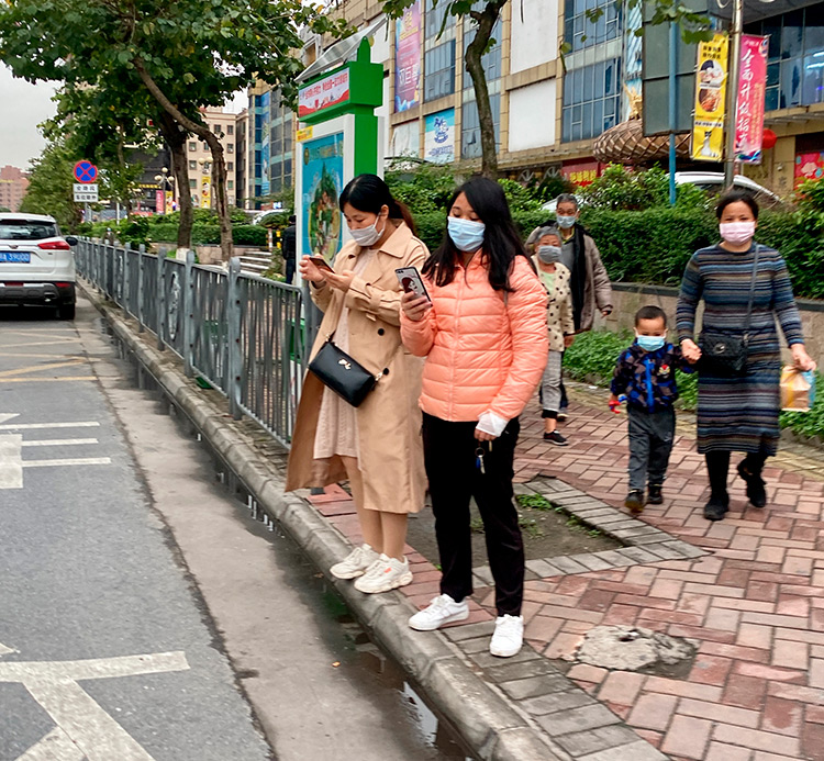 Фото улиц Китая, Гуанчжоу, все в масках