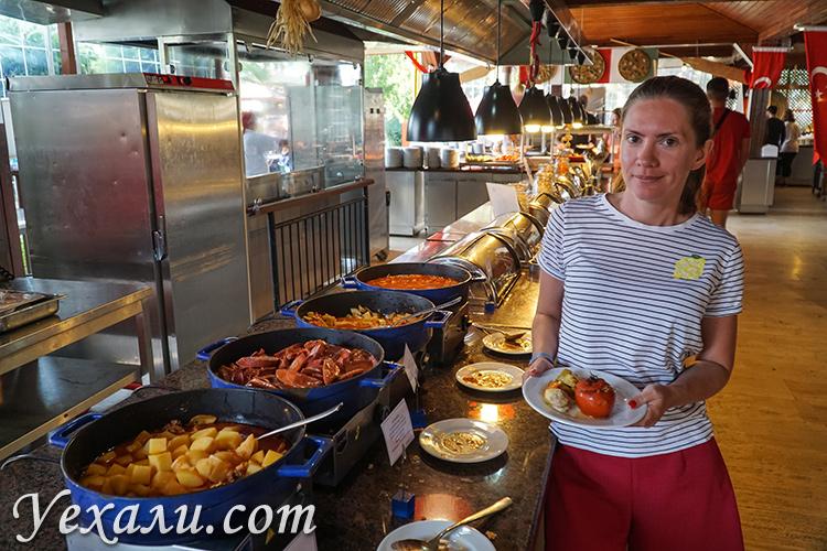 Еда в отеле Labranda Alantur, Алания, Турция.