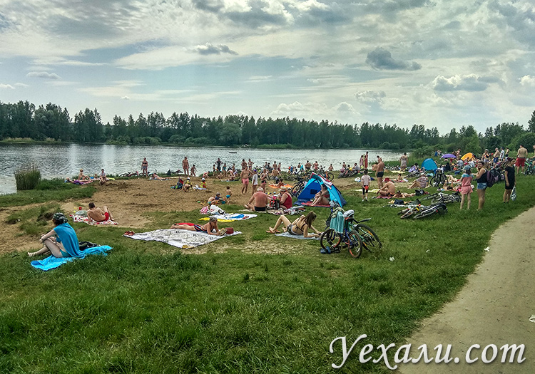 Пляж в Московской области во время эпидемии коронавируса.