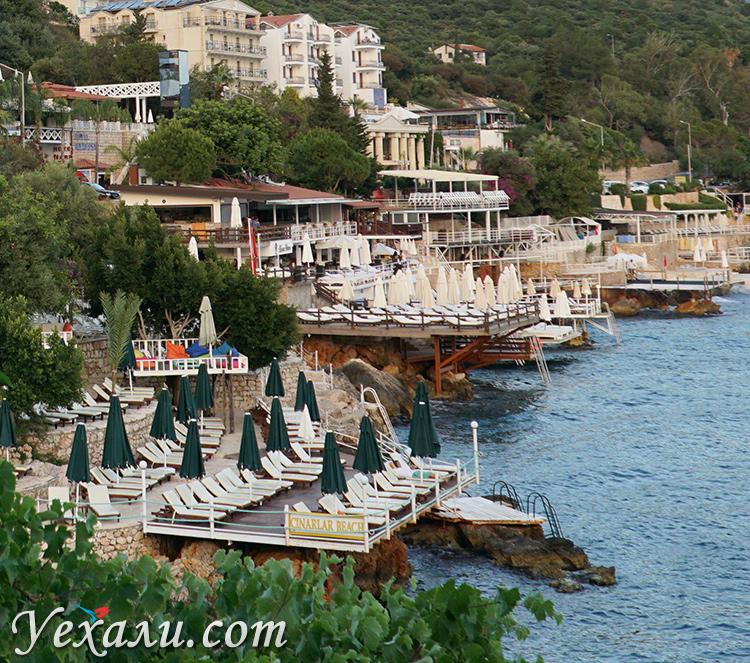 Пляж в городе Каш, Турция.