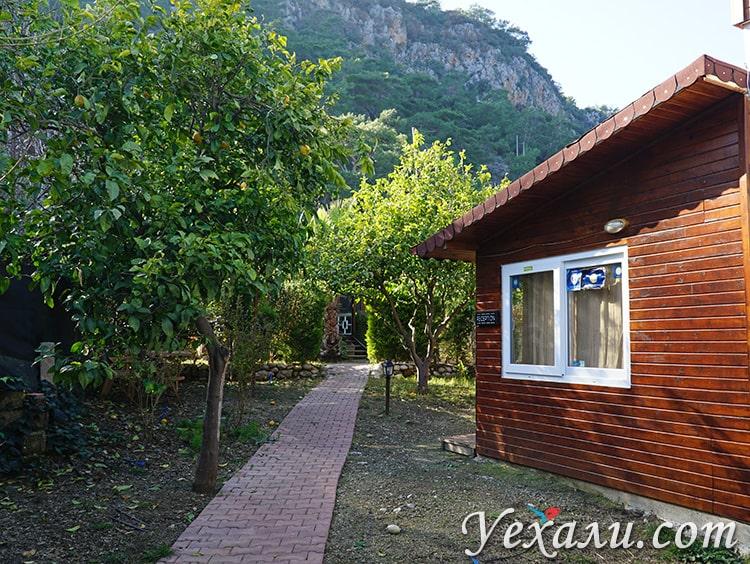 Отуль-бунгало на турецком курорте Чиралы.