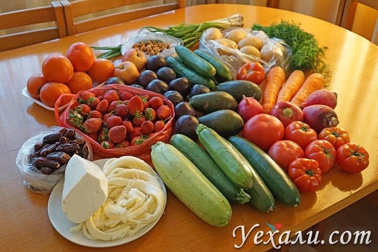 Сезонные фрукты и овощи в Турции в декабре.