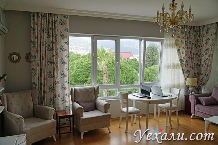 На фото: турецкая квартира в Алании.