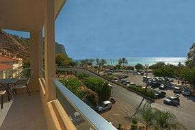 Апарт-отель Caligo Apart Hotel, пляж Клеопатры в Алании, Турция.