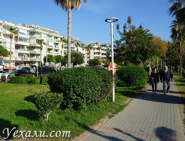 Набережная района Оба, Алания, Турция.